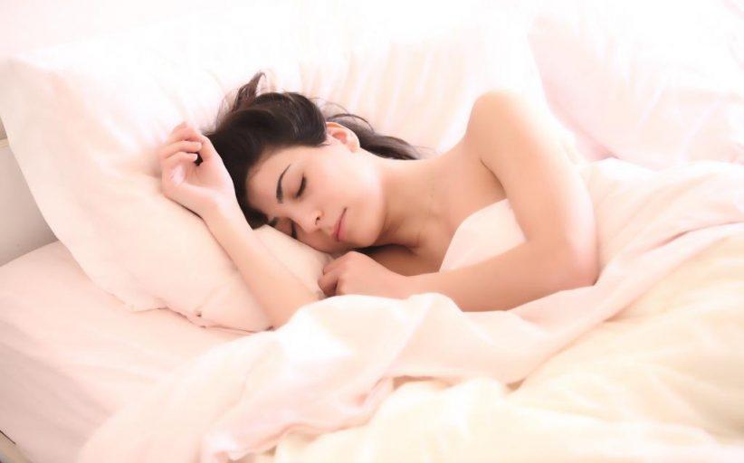 देर तक सोना, देर से सोना, देर से खाना रोगों को बुलाएगा !