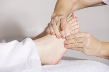 पैरों में दर्द के लिए घरेलू आयुर्वेदिक उपचार